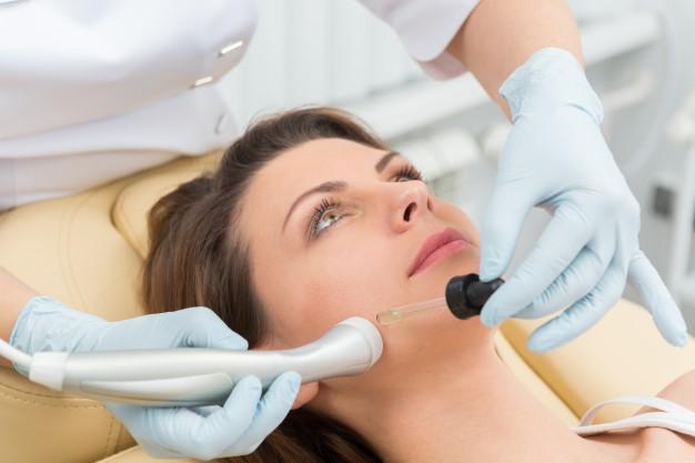 Най-подходящите козметични грижи за кожата и косата през пролетта