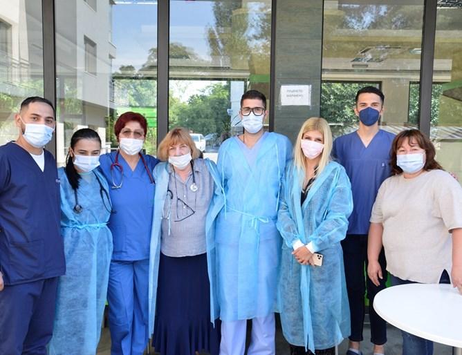 Медици от COVID сектора на