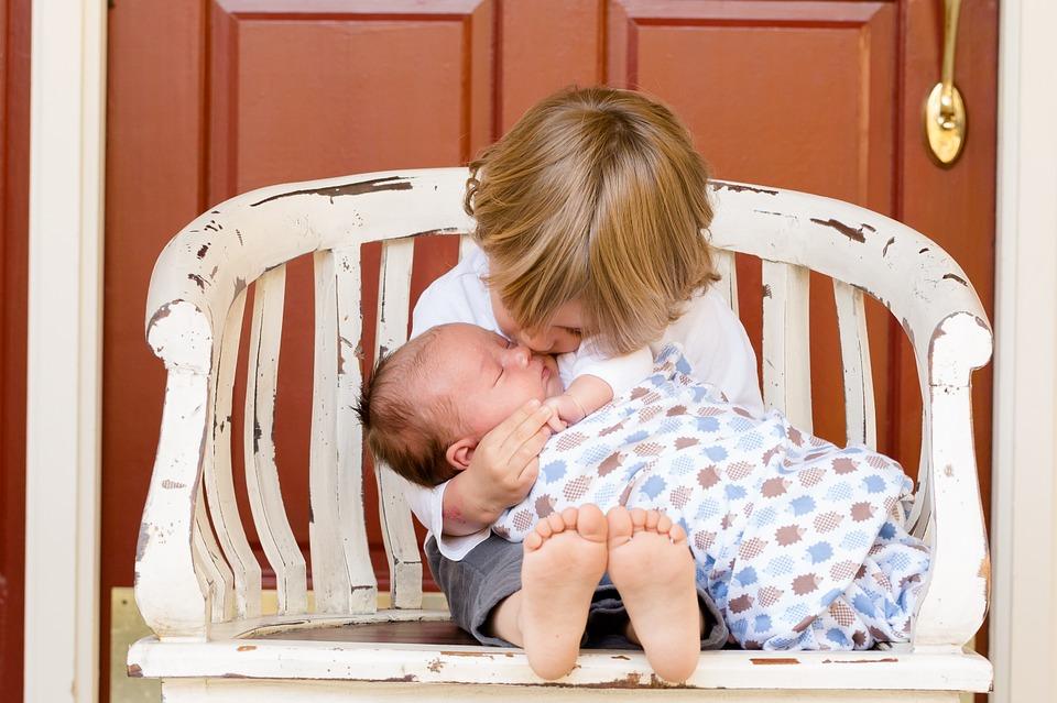 ТЕМА 6: Първи грижи за новороденото у дома /Практическа лекция/