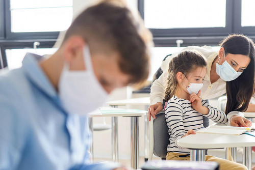 Как да подкрепите психичното здраве на вашето дете при връщането му в училище по време на COVID-19