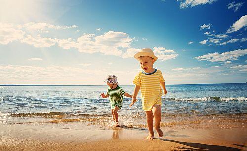 Правилна слънцезащита на бебешката и детска кожа през лятото